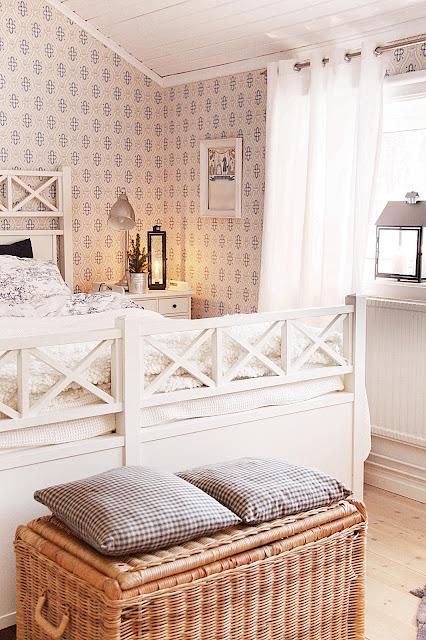 Fina Tapeter Till Sovrum : Jag gillar ju m?nster p? b?de textilier och tapeter och i sovrummet