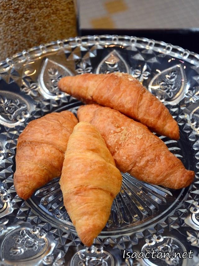 #10 Croissants