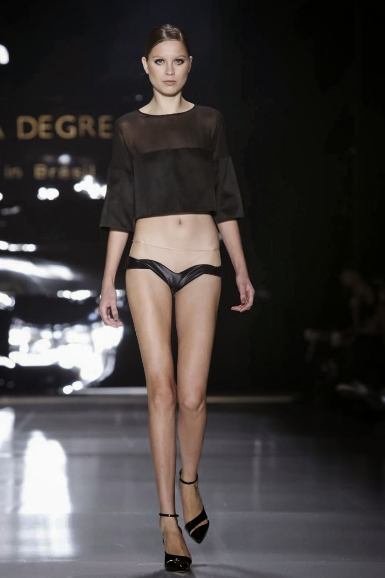 Adriana-Degreas, Adriana-Degreas-Spring-Summer, Adriana-Degreas-spring-Summer-2015, Adriana-Degreas-Sao-Paulo, Adriana-Degreas-Sao-Paulo-Fashion-Week, Adriana-Degreas-SPFW, SPFW, Adriana-Degreas-beachwear, beachwear, fashion-beachwear, spring-summer, spring-summer-2015, printemps-ete, printemps-ete-2015, collection-printemps-ete, maillot-de-bain, maillots-de-bain, maillots-de-bain-sexy, maillot-de-bain-femme, implicite, aubade, du-dessin-aux-podiums, dudessinauxpodiums, lingeries, lingery, slips, maillot-de-bain-push-up, trikini, sexy-clothes, short-de-bain, short-de-bain-femme, maillot-de-bain-retro, maillot-de-bain-amincissant, maillot-de-bain-ventre-plat, maillot-de-bain-pin-up, maillots-de-bain-1-pièce, maillot-de-bain-90d
