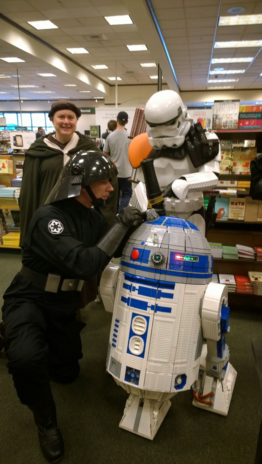 501st trying to repair L3-G0 the Lego R2D2
