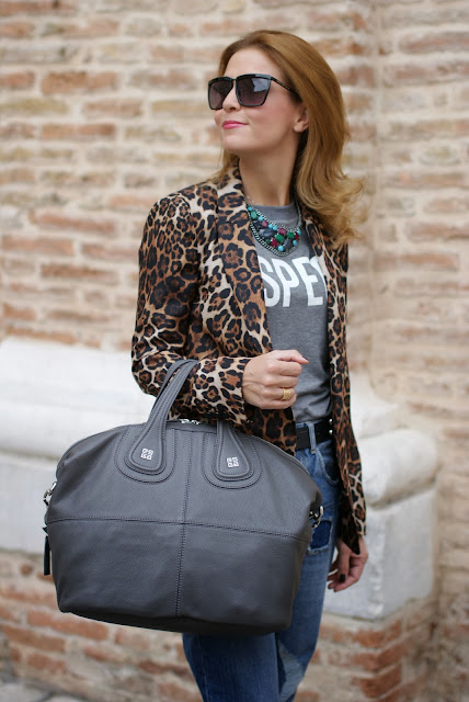 Zara leopard blazer, Givenchy grey Nightingale bag, Asos boyfriend jeans, Fashion and Cookies, fashion blogger