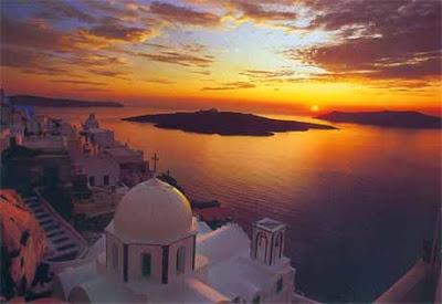 Increíble atardecer en las islas griegas