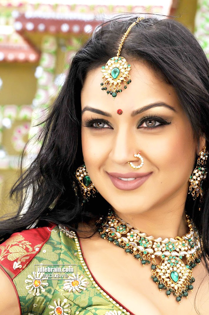 Maryam Zakaria Hot Photo Gallery