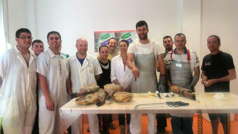 participantes en el curso de deshuesadores de jamones