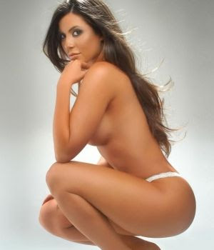 http://3.bp.blogspot.com/-mZ4VSPzAkcY/T6ja4ArRp1I/AAAAAAAABwk/CwdGo_I4SLc/s320/julia-orayen+nude.jpg