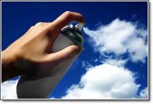 spray de nuvem no céu