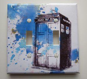 Hello i 39 m the doctor tardis light switch plate cover for Tardis light switch cover