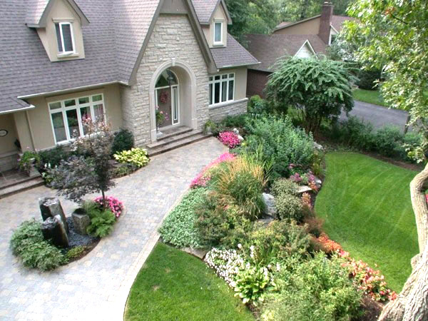 Toronto landscaping toronto landscaping front yard vs for Award winning landscape architects