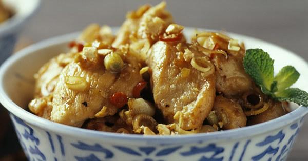 clo 39 s sensuous delights poulet a la citronnelle plat chinois. Black Bedroom Furniture Sets. Home Design Ideas