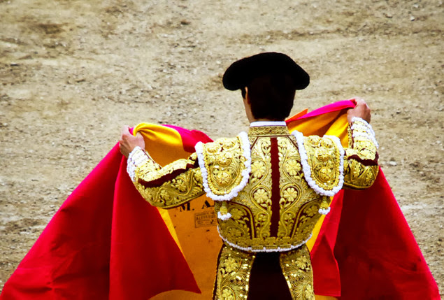 Traditional Spanish Costume History (9 Image)