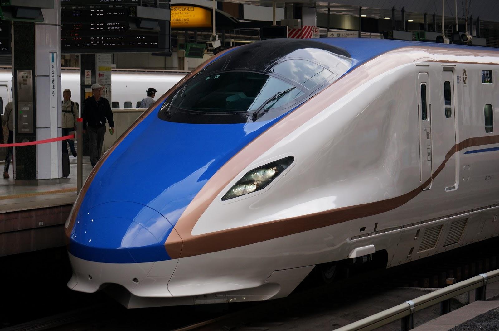 東京駅停車中のE7系新幹線
