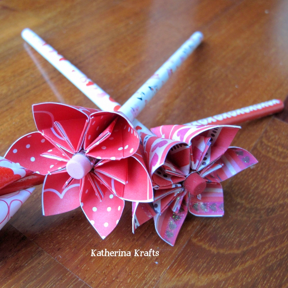 Katherina Krafts Valentine Pencil Origami Flower Favors
