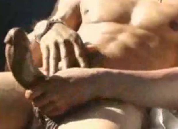 Video Gay Negro Sarado Mega Dotado Batendo Punheta Homem Roludo