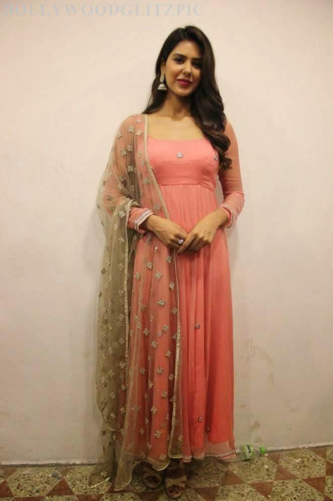 Sonam Bajwa Latest Pink Salwar Kameez Stills