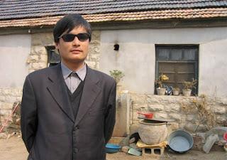 secreto - Ativista pró-vida cego da China é surrado até perder os sentidos por causa de divulgação de vídeo secreto  Chen_Guangcheng_big-580x407