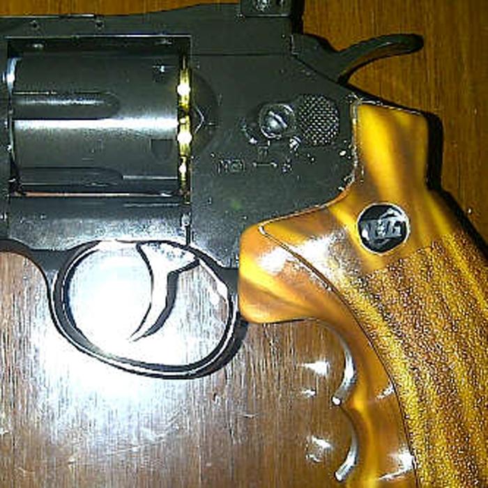 Revolver 708 Warna Kayu