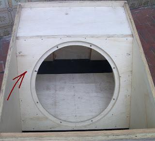 montagem de caixa de som T-18