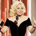 """FOTOS HQ: Lady Gaga recibiendo su premio en los """"Golden Globe Awards"""" - 10/01/16"""