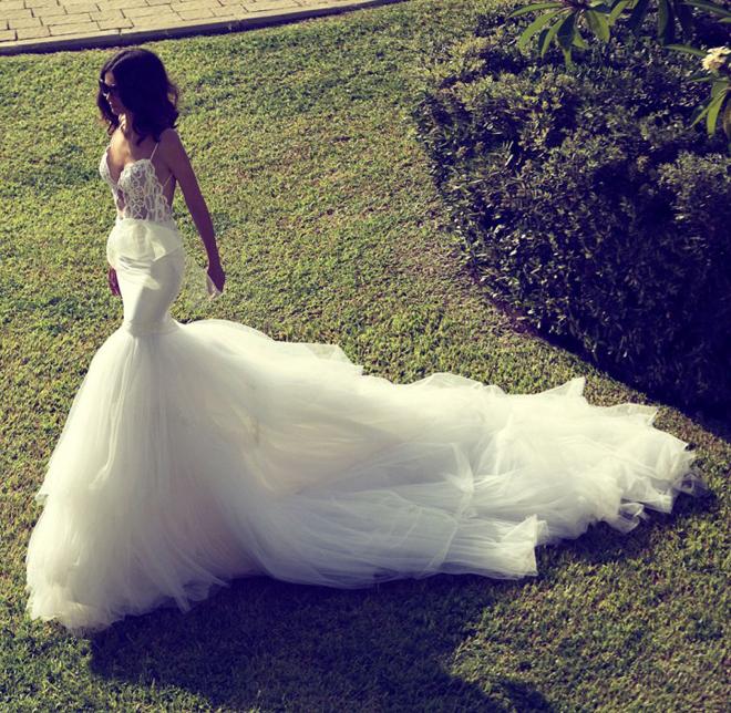 Zahavit tshuba wedding gowns my dress of the week for Wedding dress instagram