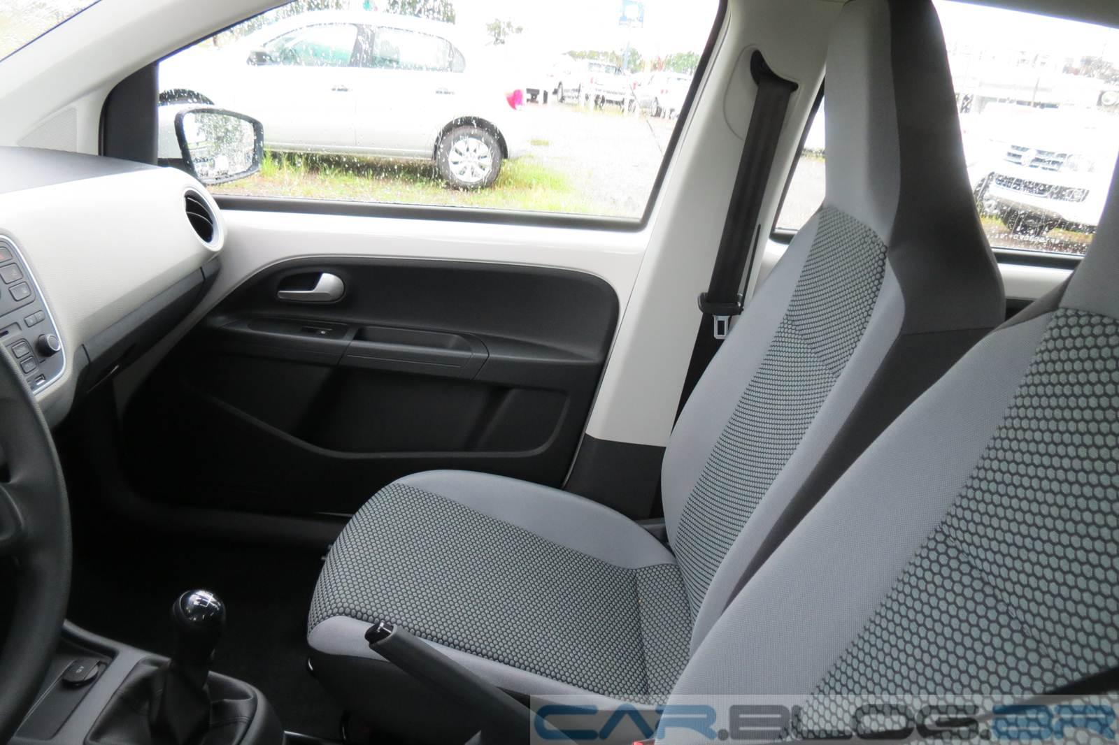 Volkswagen up! - espaço dianteiro