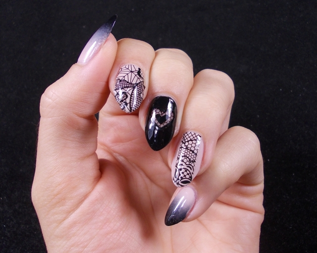 lace-nails-stickers-gradient-essie