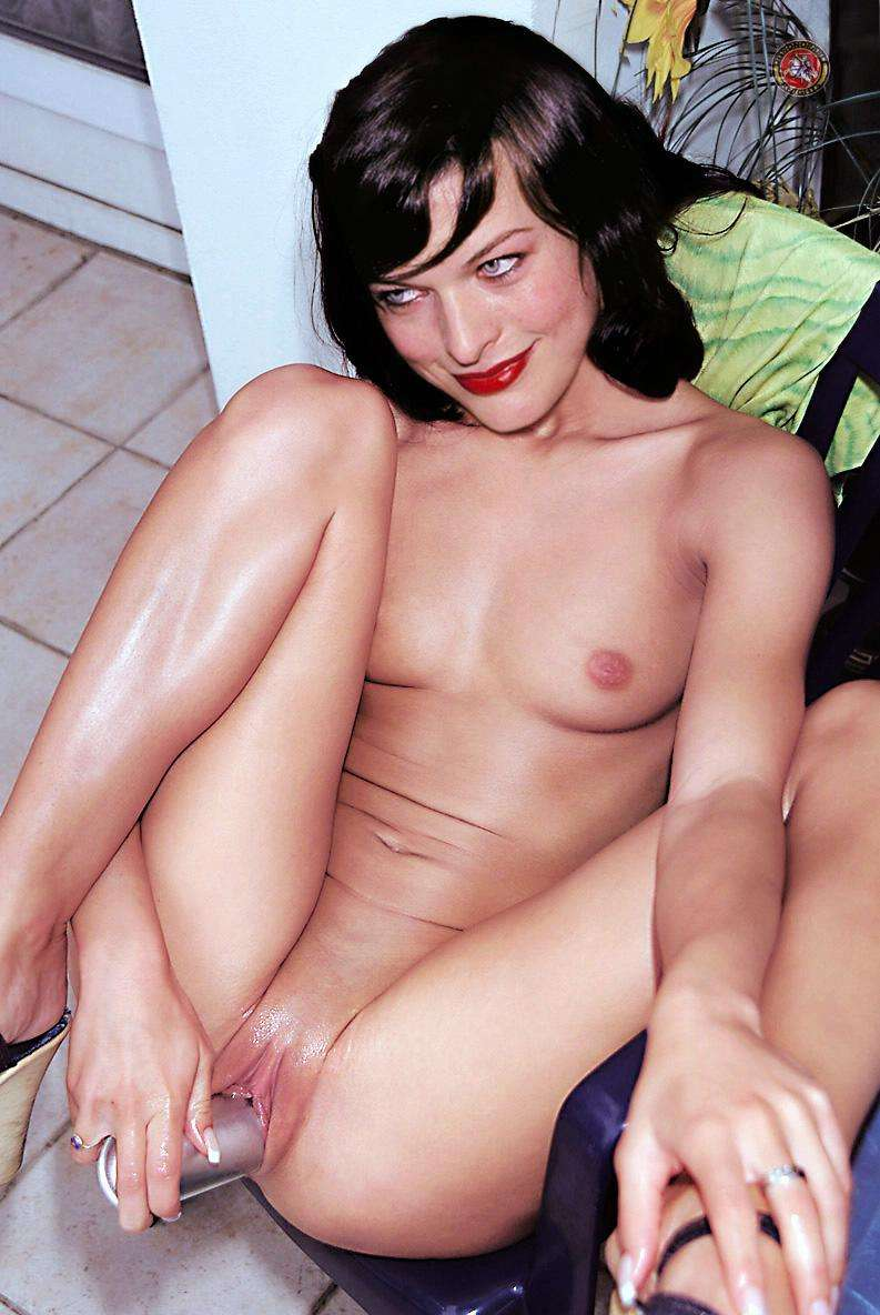 milla jovovich naked sex