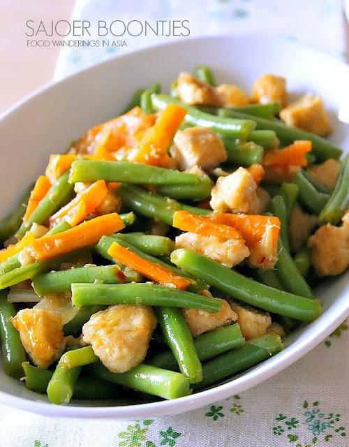 Sajoer Boontjes (Green Beans in Balinese Sauce)