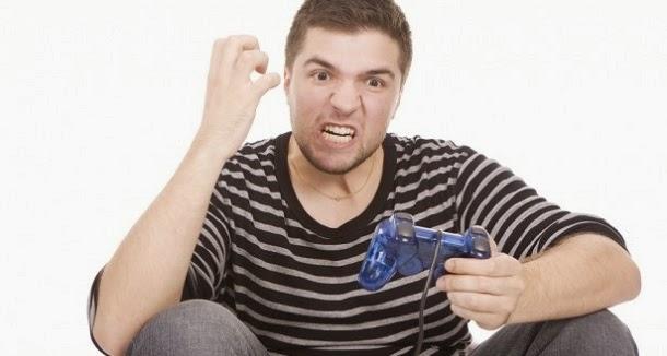 Jogar jogos após um dia de trabalho agrava o stress, revela estudo