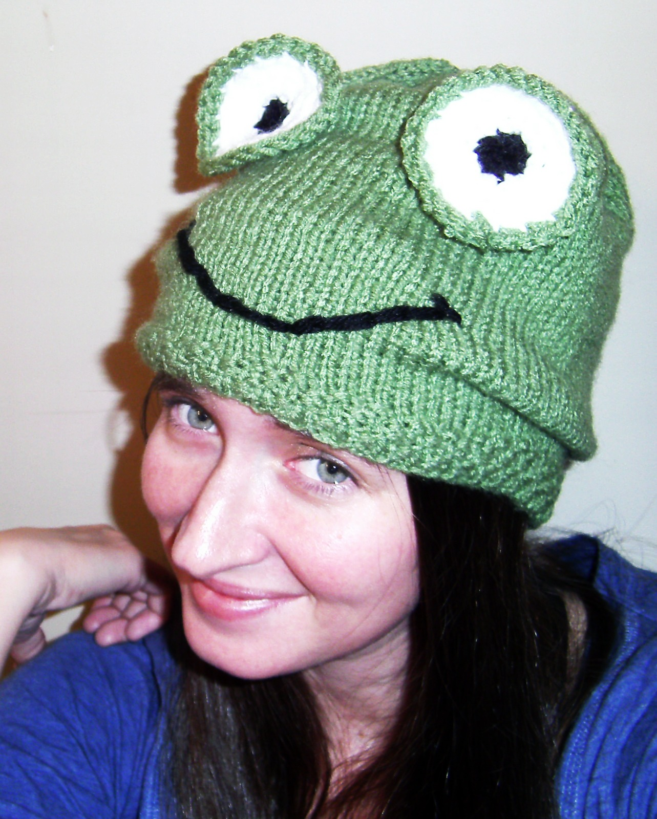 Knitting Pattern For Frog Hat : Simply Mommy: Frog Hat - My first ever completed knitting project! :0)