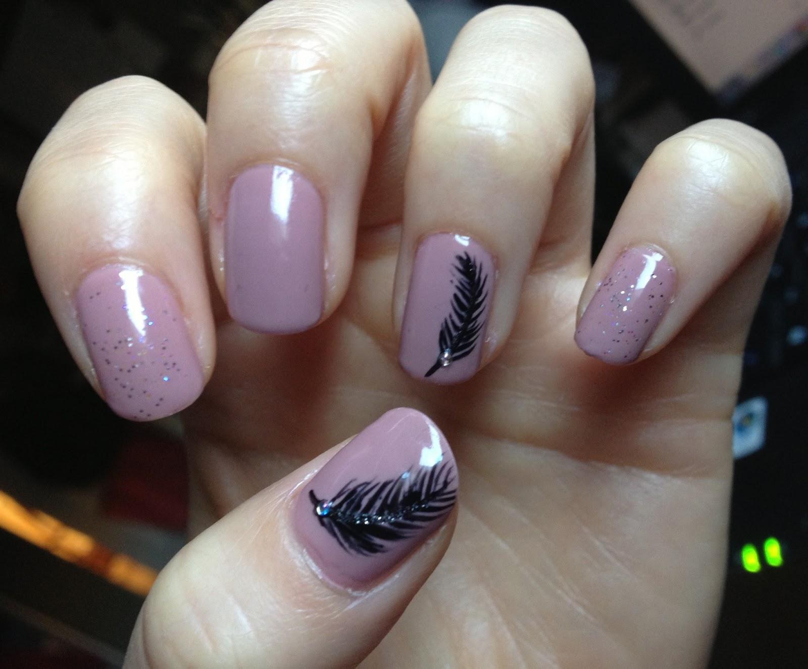Puddle Splashin\': Nails- Feathers, Jeweled Mint, Expanding Circles