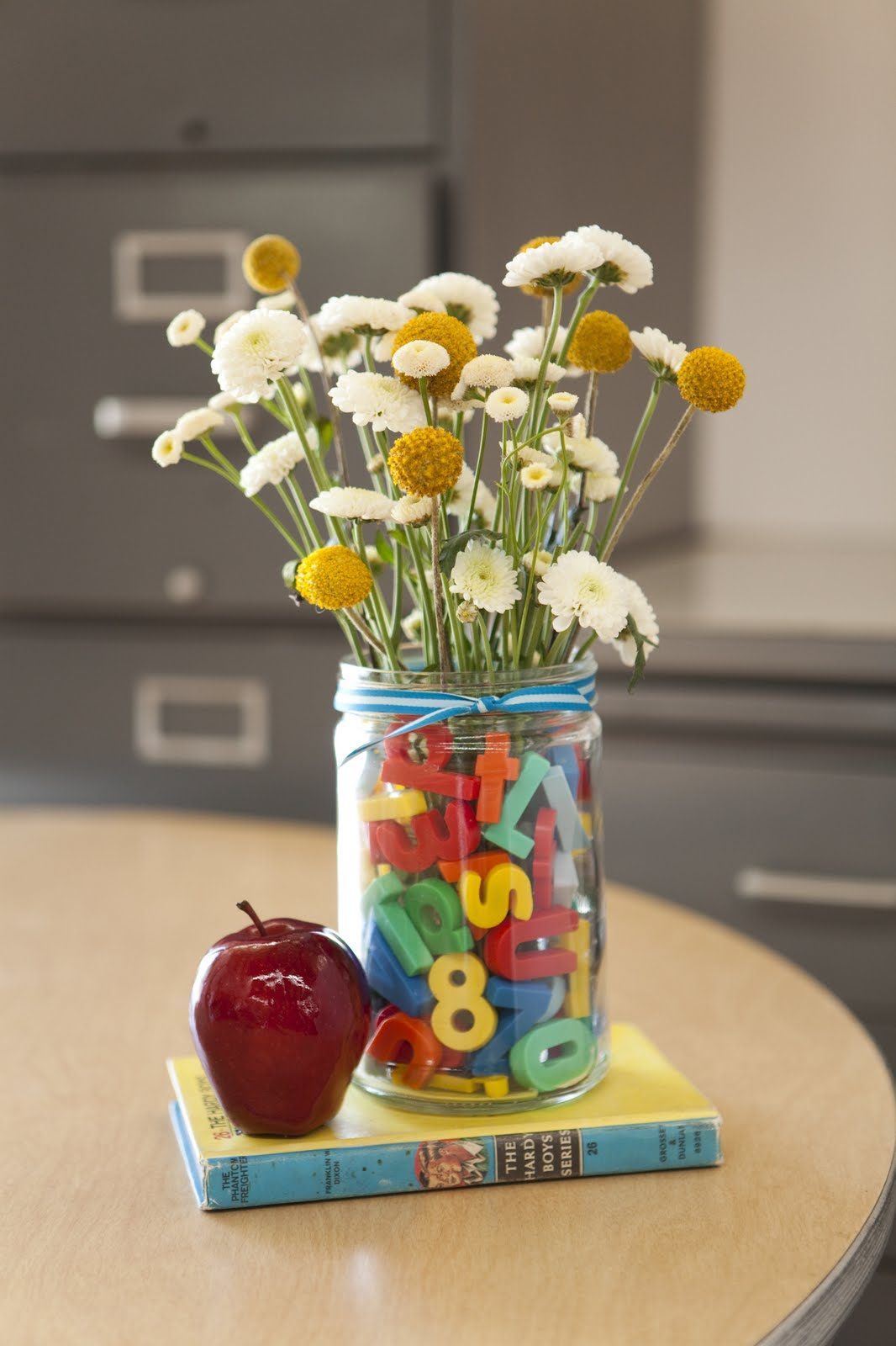 Classroom Keepsake Ideas ~ Please note back to school gift ideas