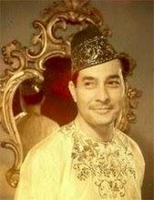 Sultan Sharif Muhammad Alkadrie. Born in London dated July 12, 1913.