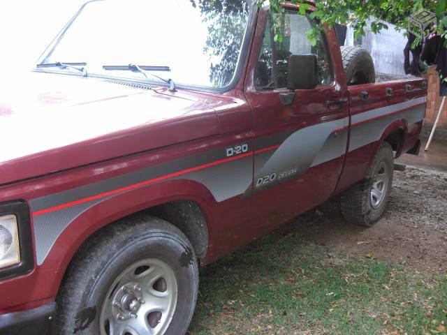 D-20 de reriutabense é roubada em festa no Cariré.