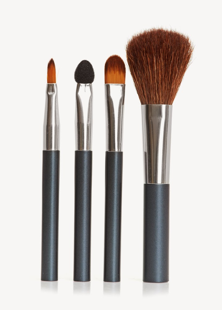 THE POWER OF MAKEUP BRUSHES IN BEAUTY