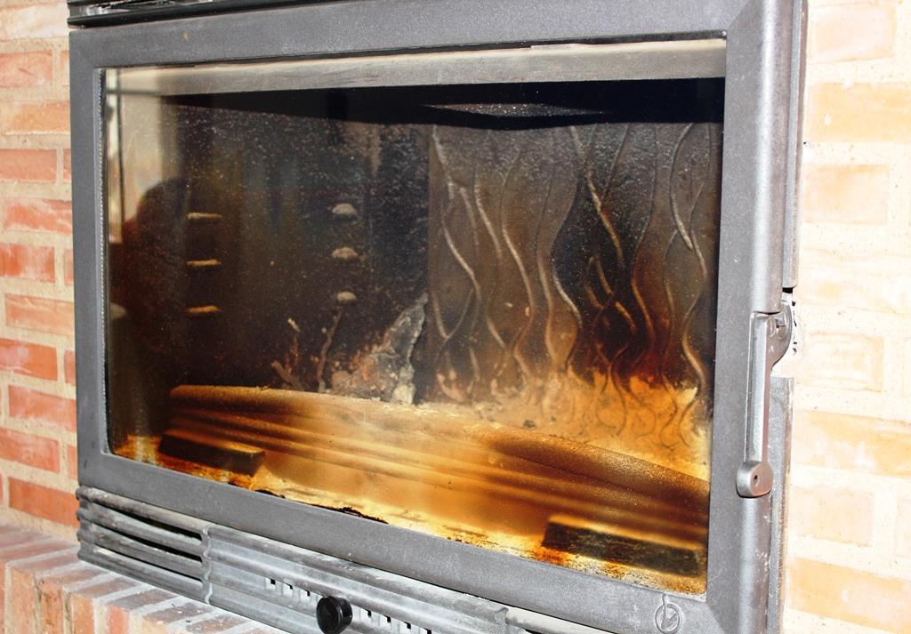 Como limpiar el cristal de la chimenea o estufa recetas - Como limpiar chimenea ...