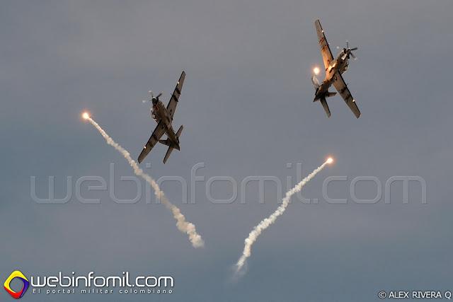 Vibrantes demostraciones aéreas como la de la Escuadrilla Griffos del Comando Aéreo de Combate No 2 despertaron grandes emociones entre los asistentes a la F-AIR COLOMBIA 2015.
