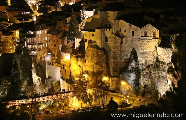 Foto-Cuenca-noche