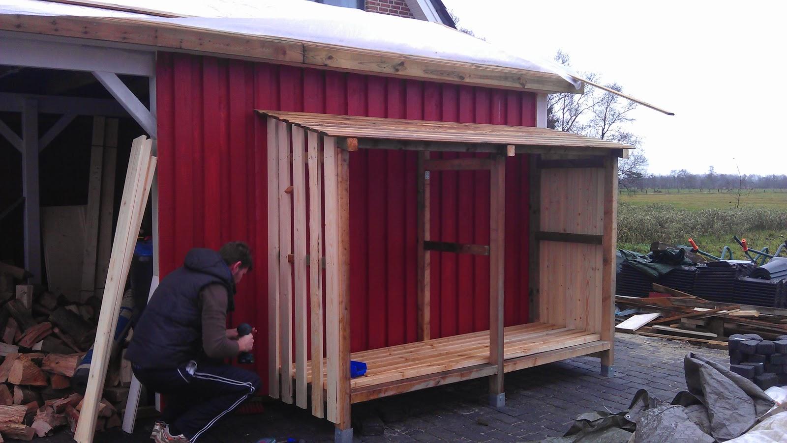 vårt lilla röda sverige hus: holzlager am carport und badezimmer, Badezimmer ideen
