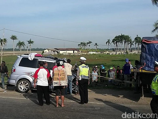 Lima Orang Tewas Dalam Kecelakaan di Pantura Subang