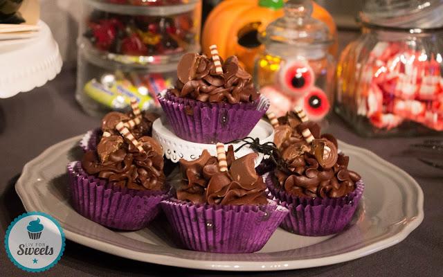 Tod durch Schokolade, Death By Chocolate, Cupcakes, Muffins, Schokolade, Schokocupcakes, Halloween, Halloweencupcakes, Chocolatecupcakes, Rollo, Rezept, Thermomix