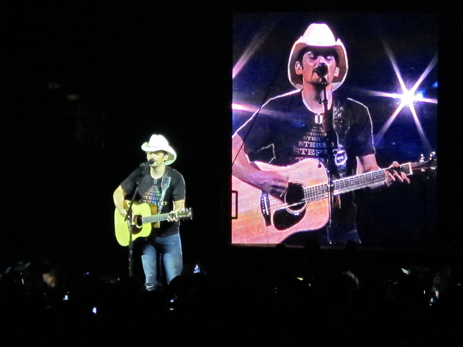 The inky jukebox brad paisley total pro for How many kids does brad paisley have
