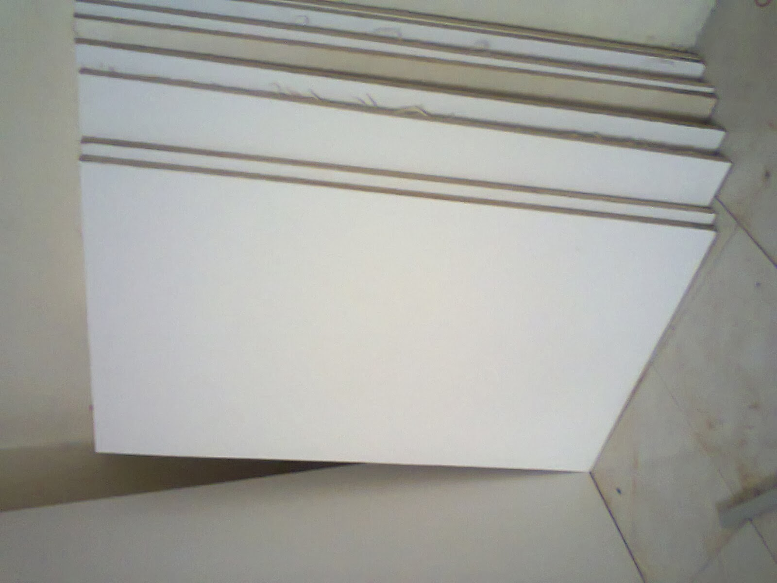 Dinding tepi kabidapur yang sudah siap dipotong. Pakai papan