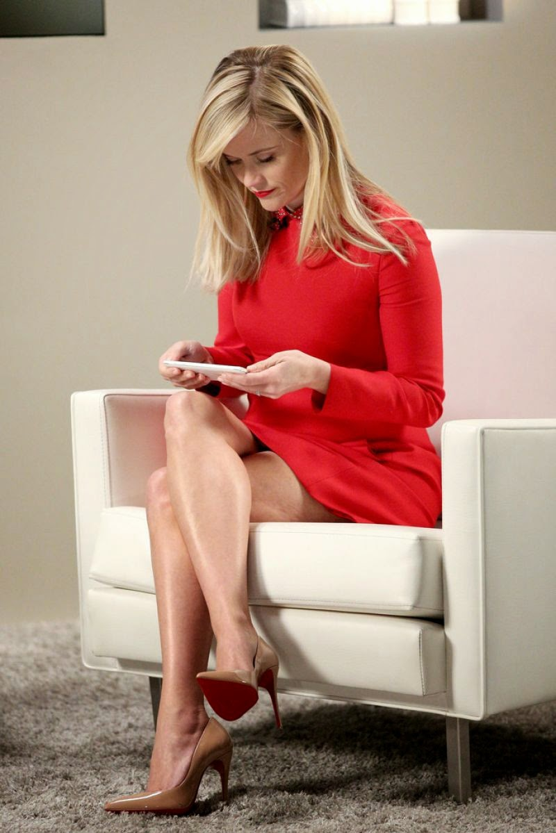 Reese Witherspoon sexy legs and high heels