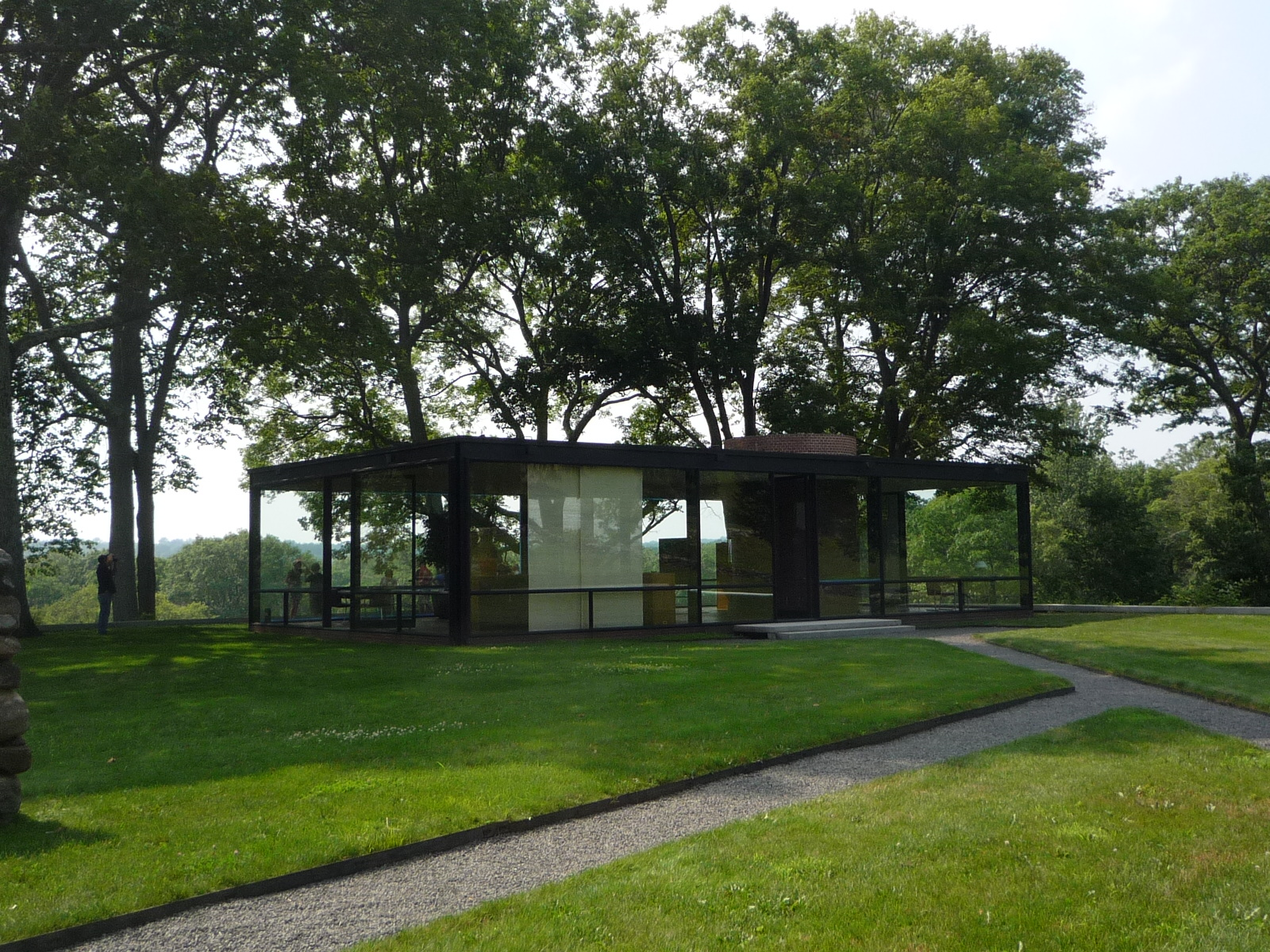 new canaan real estate a visit to the glass house in new canaan. Black Bedroom Furniture Sets. Home Design Ideas