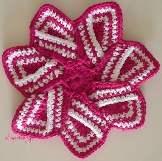 http://elizyart.blogspot.com.es/2013/05/crochet-in-every-room.html