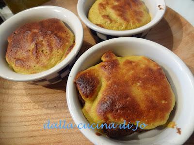 tortini pere-cioccolato con custard meringato