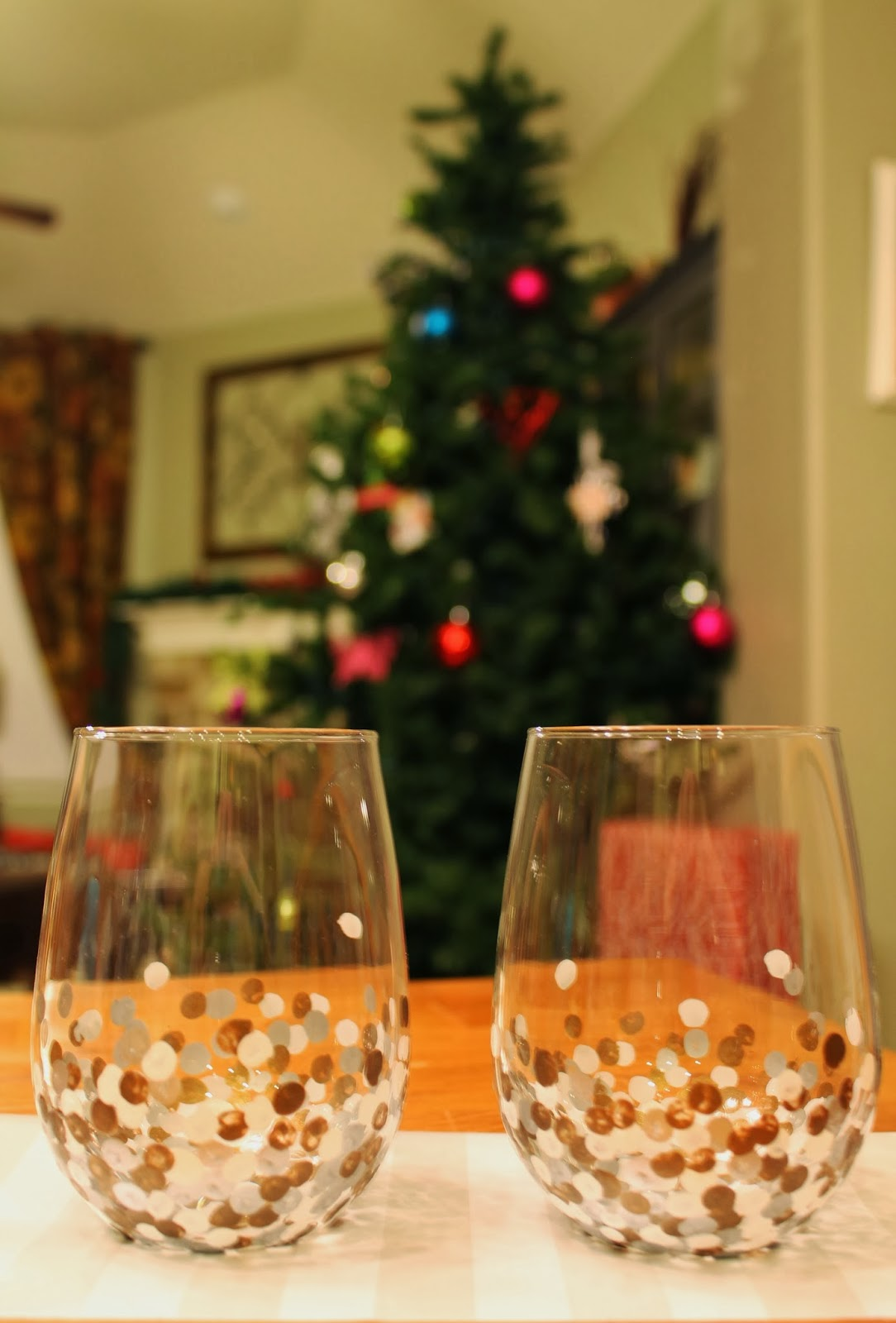 Tucker up diy anthro inspired painted wine glasses for Painted stemless wine glasses
