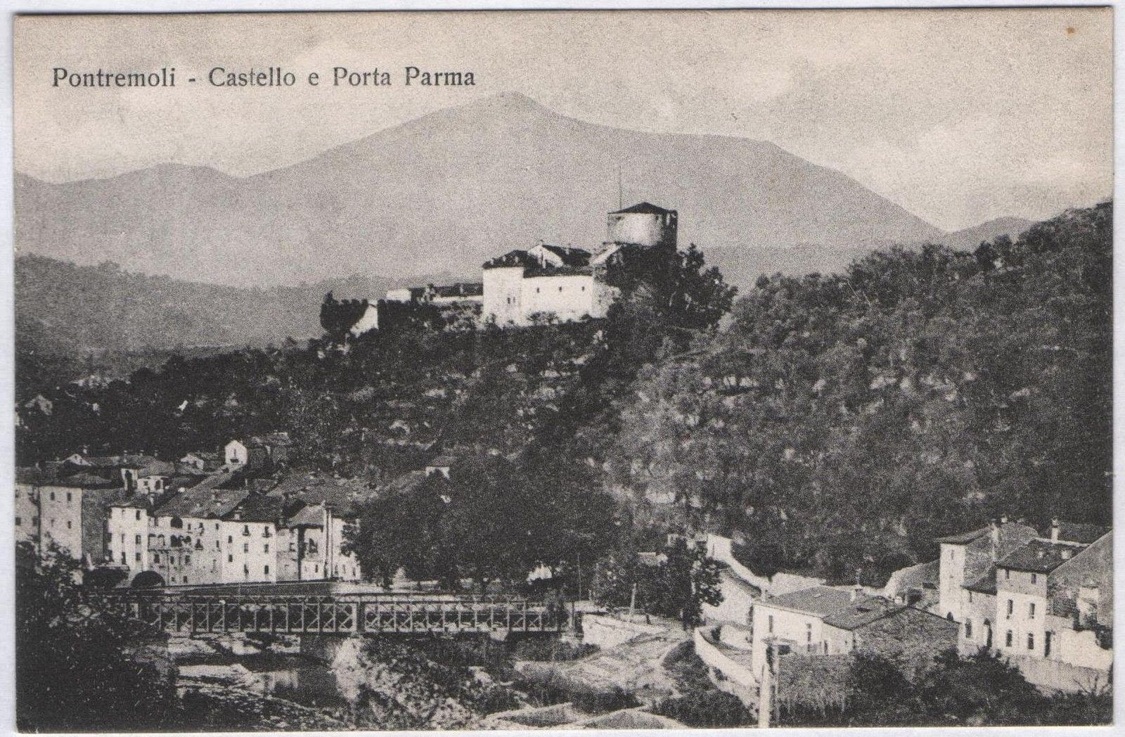 Old Pontremoli postcard with the Castle Piagnaro and Porta Parma