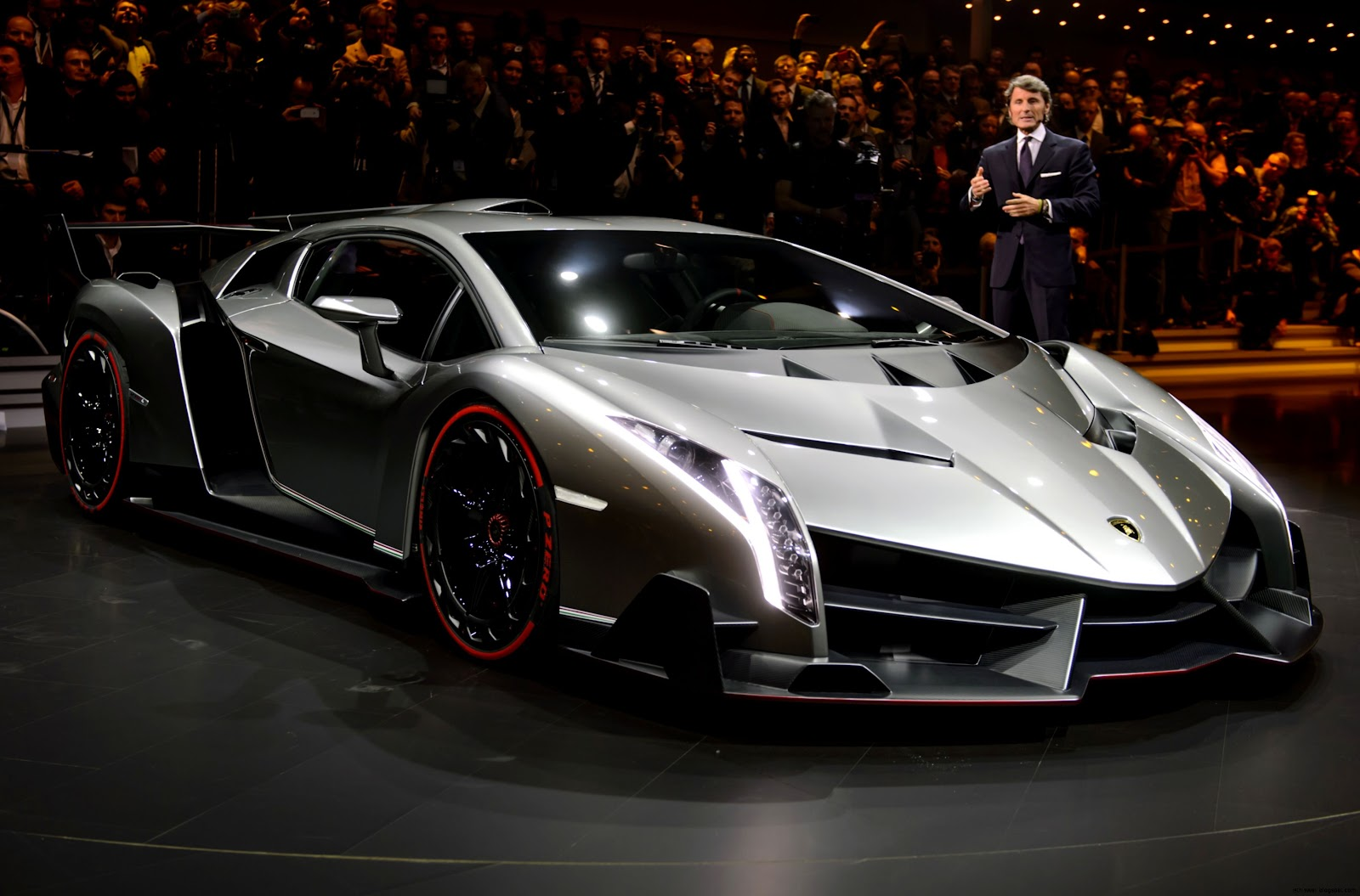 Expensive Car in the World Lamborghini Veneno