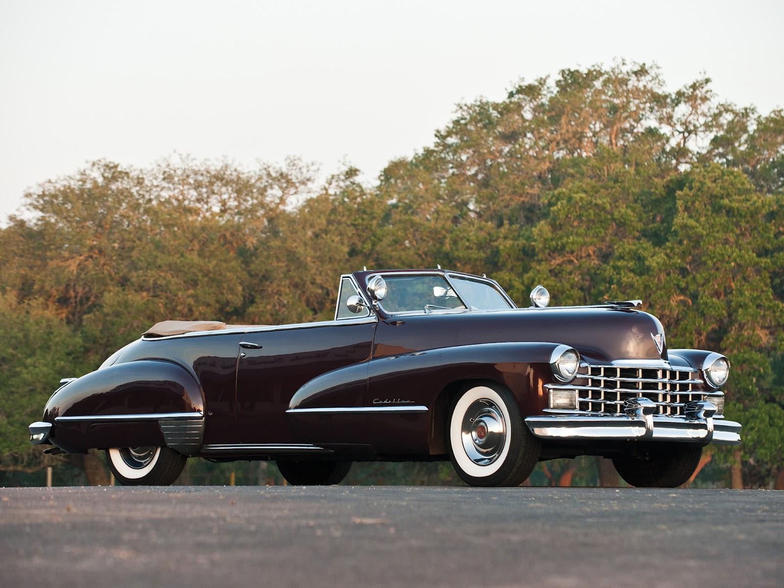 Retro Cars Cadillac Sixty Two Convertible 1947